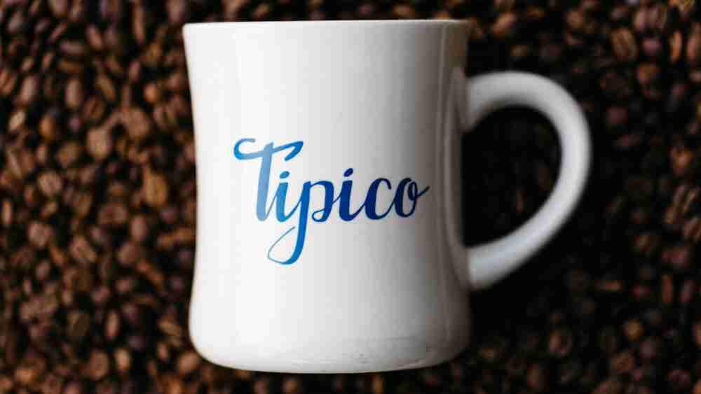 tipico-coffee-mug-beans