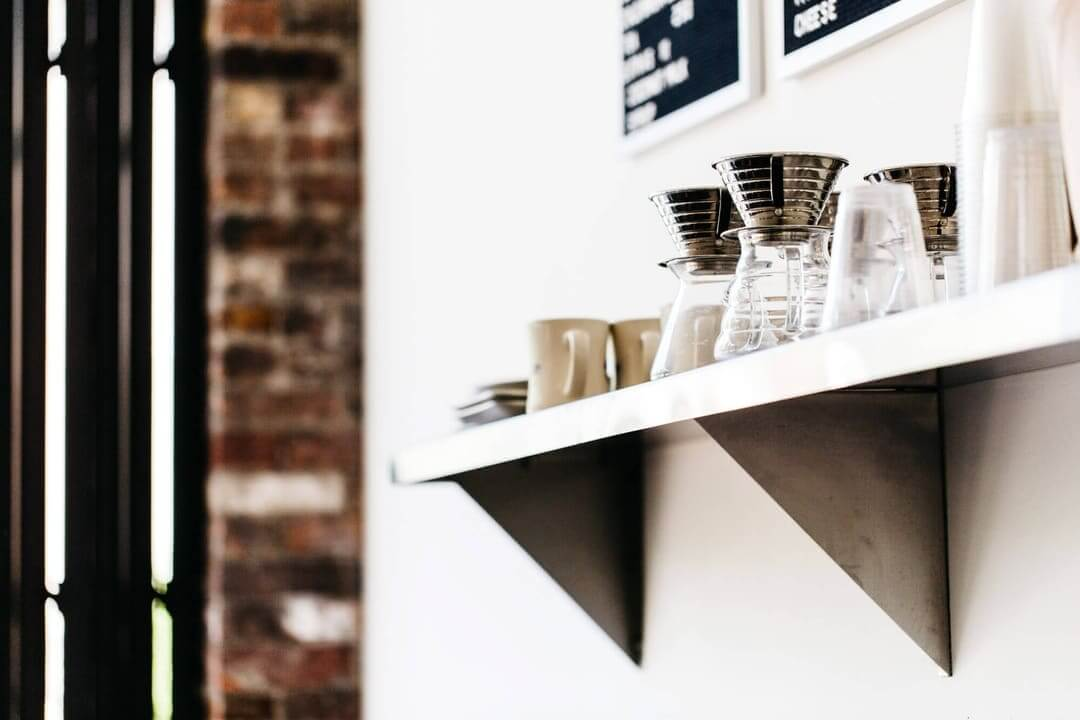 tipico-coffee-wall-menus-cups